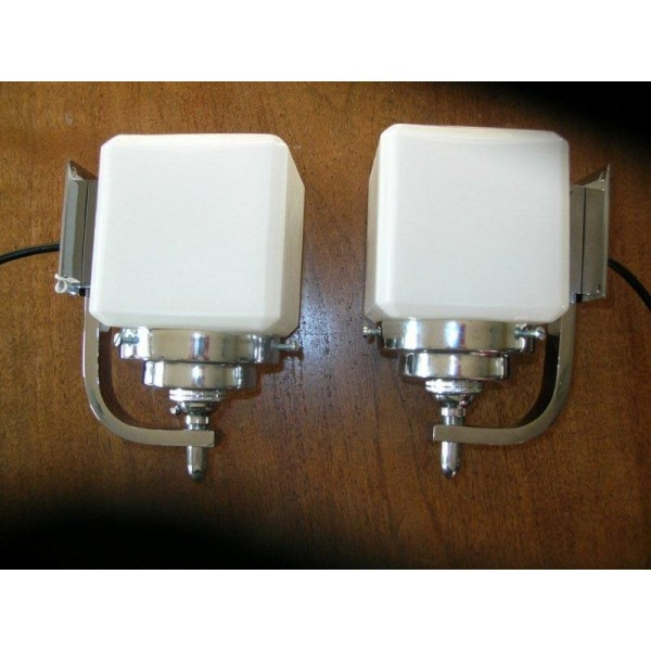 Excellent pair of Modernist chrome wall lights with white cube shades - Deco Dave