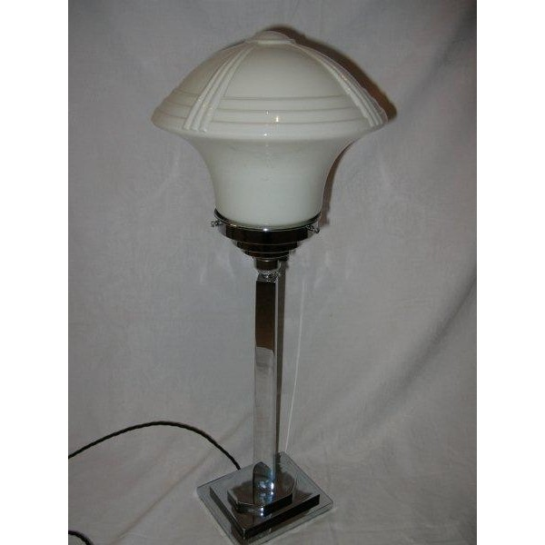 heavy french art deco table lamp with superb white shade deco dave. Black Bedroom Furniture Sets. Home Design Ideas