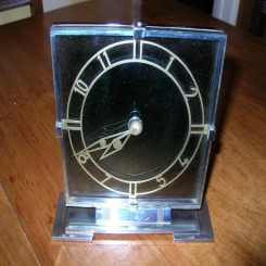 Smiths (8) day glass and chrome desk clock