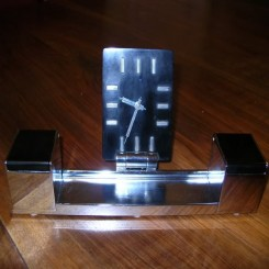 Wonderful bakelite 8 day clock/pen set with original glass inkwells
