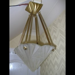 Heavy glass degue pyramid fixture with bronze mounts