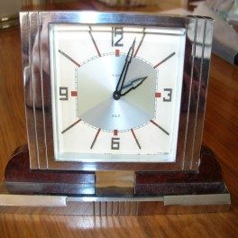 Good french deco desk clock by jaz with an (8) day movement