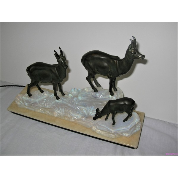 Art Deco Spelter Lamp Of 3 Ibex On Opalescent Glass And