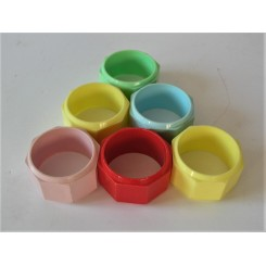Set of 6 plastic knapkin rings