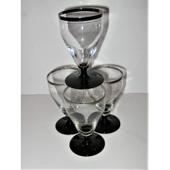 Set of 4 Art Deco drinking glasses