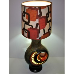 Fat Lava table lamp with original shade