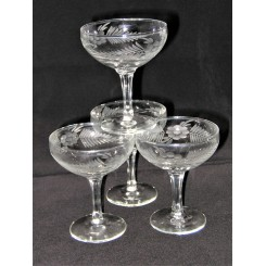 Set of 4 Art Deco etched glass Champagne coupes