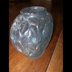 Good french art deco glass vase by andre hunebelle