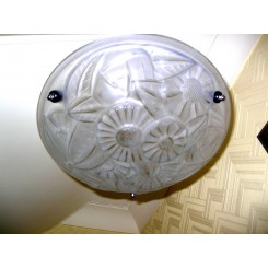 Clear stylised daisy pattern plafonnier by degue (3) available - price for one
